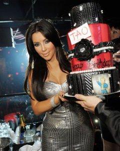 Kim Kardashian wearing S&D 'Bardot Bangle' celebrating her 30th birthday at Tao in Las Vegas.