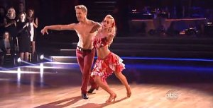 dwts-latin-night-recap-kellie-pickler-scores-immunity